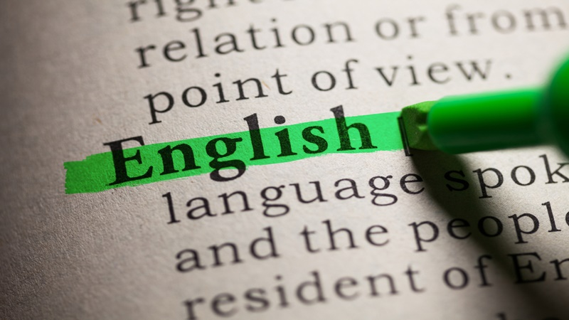 perbedaan antara written english dengan spoken english