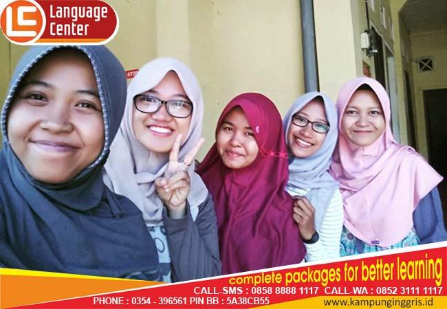 Belajar TOEFL di LC Itu Santai dan Menyenangkan (Dwitania Manvi from Padang)