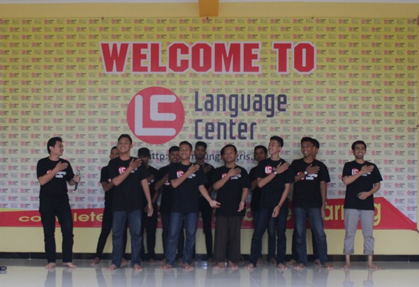 welcoming party lc kampung inggris