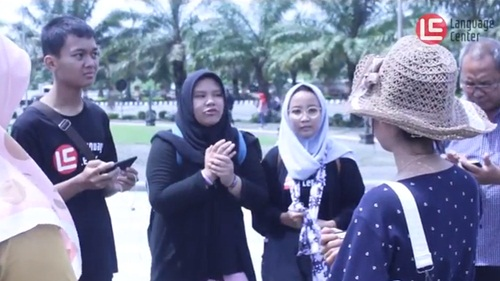 Outing Class Seru SMA M 25 Pamulang di Simpang Lima Gumul Kediri