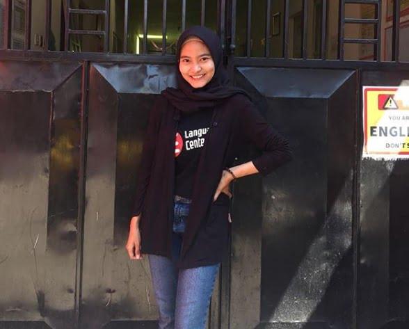 LC itu MANTUL Deh . . . Mantap Betul !!! (Sarah Alqueena from Tangerang)