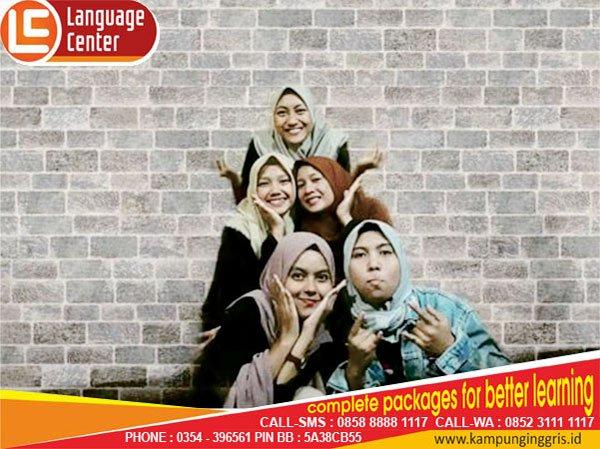 Practice Self Confidence to Speak English (Putri Maulia from Bogor)
